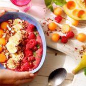 Smoothiebowl met Chiquita-banaan, framboos, meloen en noten