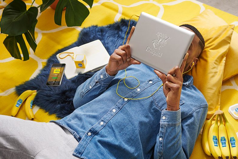 Chiquita's new playlists on Spotify - men with Ipad