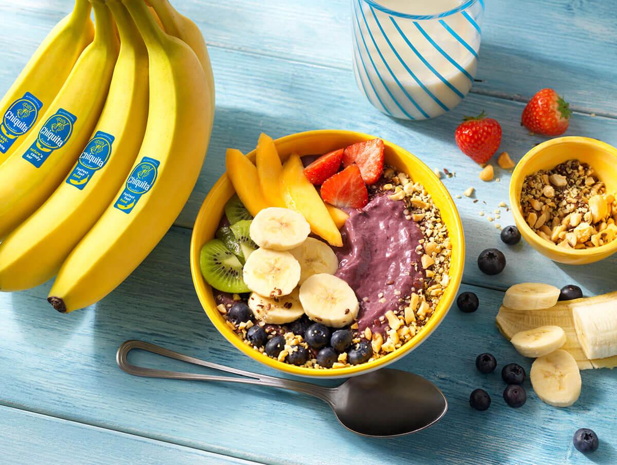 Chiquita bananen en acaibessen yoghurt bowl