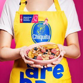 Bananensplit met havermout en geroosterde amandelen van Chiquita
