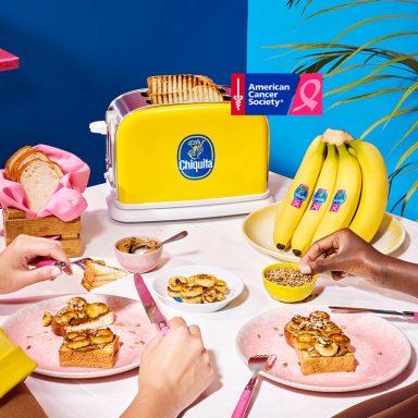 Veganistische toast met Chiquita banaan en zonneboter met zonnebloempitten